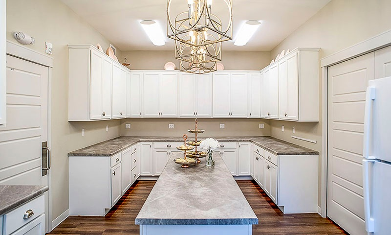 Alpha Xi Delta girls' kitchen | USD | Fiegen Construction