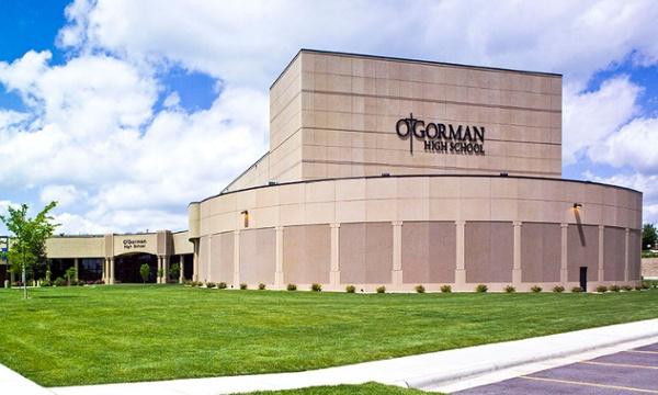 O'Gorman Performing Arts Center, Fiegen Construction